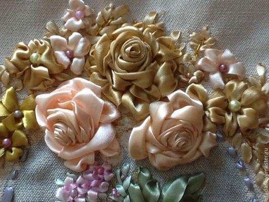 """Картины цветов ручной работы. Ярмарка Мастеров - ручная работа. Купить Гобеленовая наволочка, вышитая лентами """"Вечерняя роза"""". Handmade."""