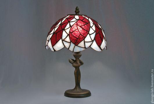 Настольная лампа Тиффани `Букет Монны`, D- 26 см,  148 деталей.
