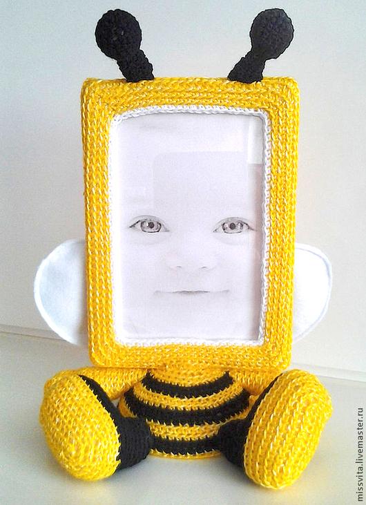 """Детская ручной работы. Ярмарка Мастеров - ручная работа. Купить Рамка для фото  """"Пчёлка"""". Handmade. Желтый, подарок ребенку, зверята"""