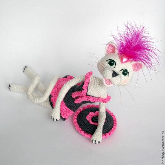 """Игрушки животные, ручной работы. Ярмарка Мастеров - ручная работа. Купить Оригинальная интерьерная статуэтка """"Гламурная кошечка в розовом"""". Handmade."""