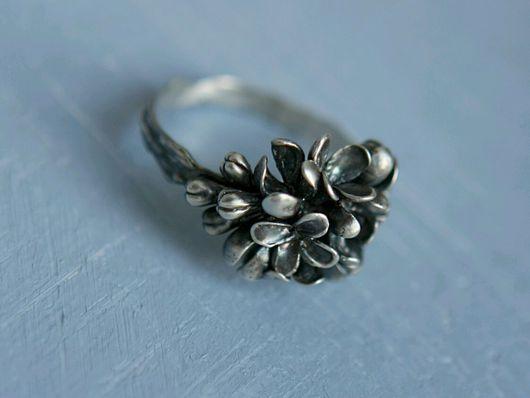 Кольца ручной работы. Ярмарка Мастеров - ручная работа. Купить Кольцо Сирень из серебра с чернением. Handmade. Сирень, кольцо из серебра