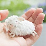 Украшения ручной работы. Ярмарка Мастеров - ручная работа Брошь овечка. Handmade.