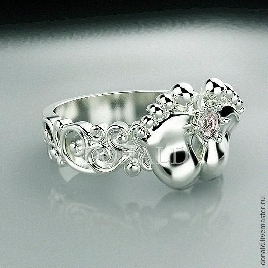 Серебряное кольцо `Ножки младенца`