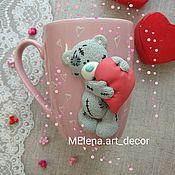 """Кружки ручной работы. Ярмарка Мастеров - ручная работа Кружка с декором """"Мишка Тедди с сердцем"""". Handmade."""
