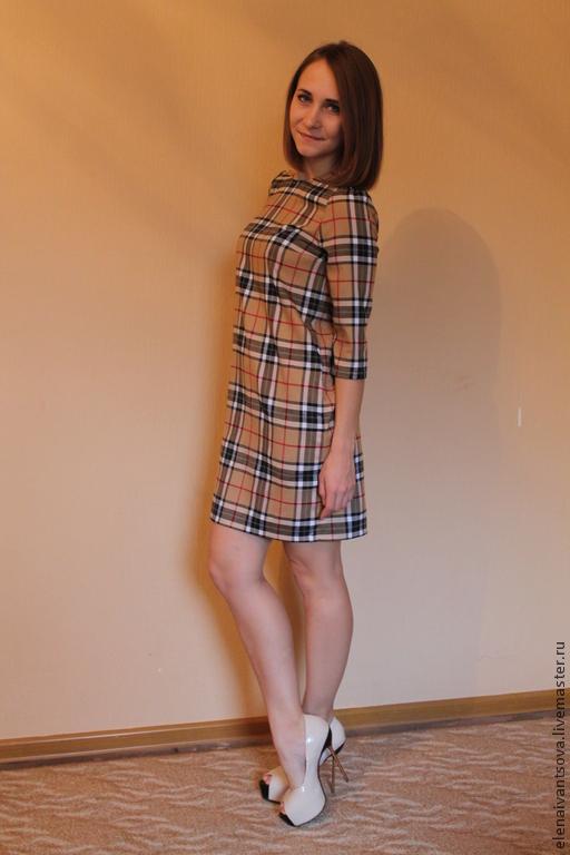 Платье прямого покроя с рукавом три четверти. В боковых швах карманы. Длину рукава и длину платья можно сделать по вашему желанию. Можно носить как с поясом так и без. Размеры S, M, L