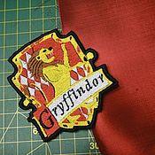 Аксессуары ручной работы. Ярмарка Мастеров - ручная работа Гарри Поттер Гриффиндор герб гриффиндора купить Эмблема гриффиндора. Handmade.