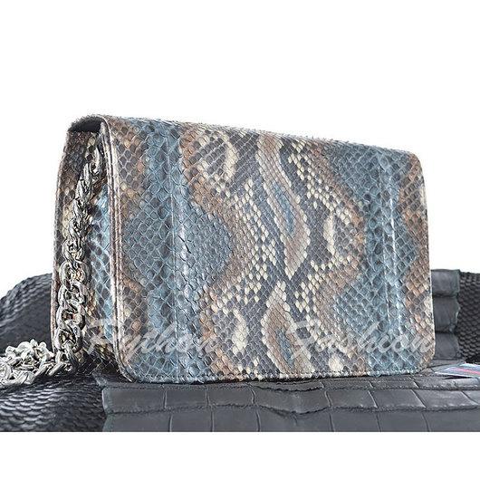 Вечерняя сумочка из кожи питона на длинной цепочке через плечо. Дизайнерская сумочка ручной работы на весну. Модная весенняя сумочка кросс боди из питона на заказ. Авторская женская сумочка на выход.