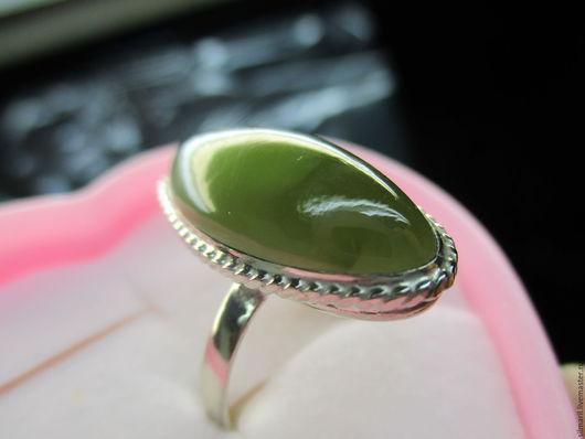 кольцо `Кошачий глаз` цена 2750 нефрит натуральный