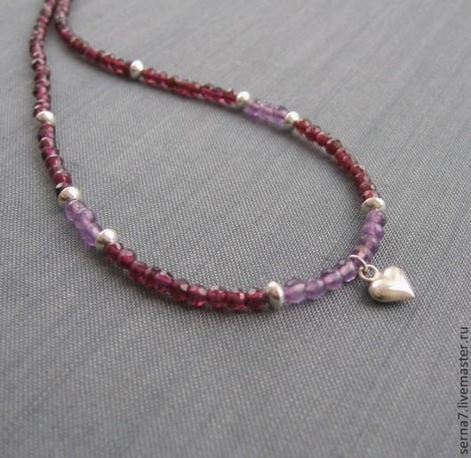 бусы из граната и аметиста и серебра 925. подвеска сердце. украшение на праздник святого валентина.