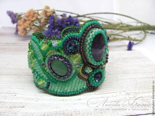 Браслет `Jungle` с аметистом, широкий браслет, массивный браслет, зеленый браслет.