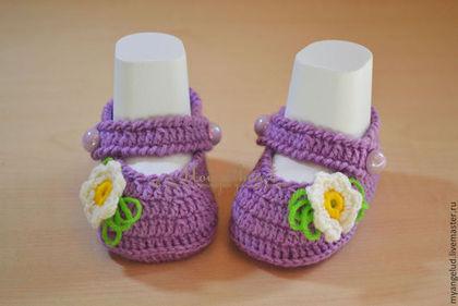 Для новорожденных, ручной работы. Ярмарка Мастеров - ручная работа пинетки-туфельки Фиалки. Handmade.