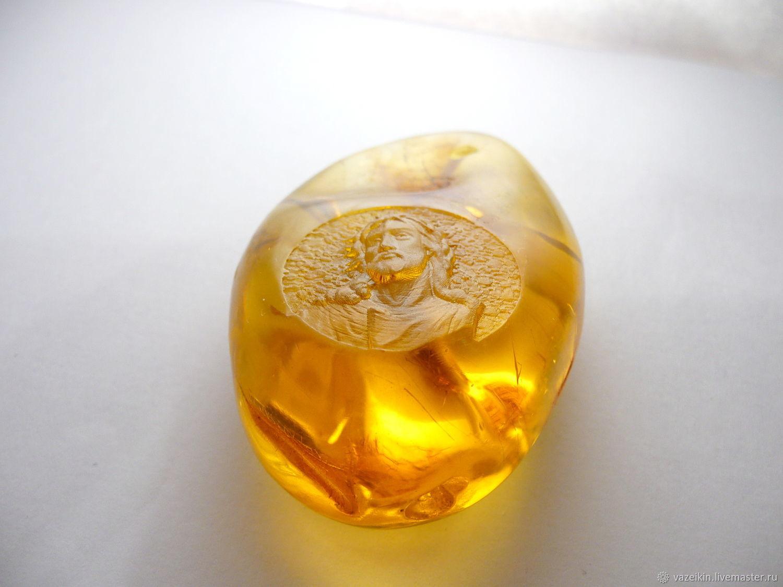 Amber Jesus in a crown of thorns R-286, Pendants, Svetlogorsk,  Фото №1