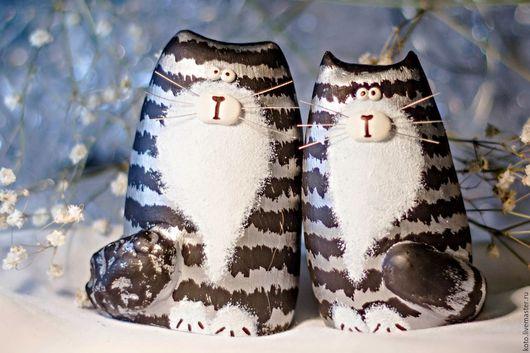 Подарки для влюбленных ручной работы. Ярмарка Мастеров - ручная работа. Купить Подарок на 8 марта - пара кот и кошка серые полосатые. Handmade.