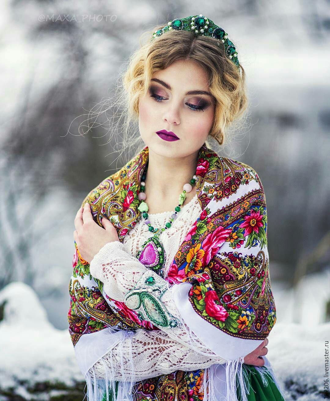 Украинский народный образ для зимней фотосессии