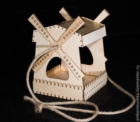 Деревянная кормушка `Мельница для росписи`