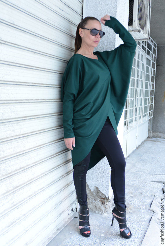Blouse. Elegant blouse. Fashionable blouse. Blouse made of cotton.