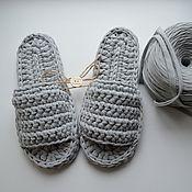 Тапочки ручной работы. Ярмарка Мастеров - ручная работа Вязаные тапочки из трикотажной пряжи. Handmade.