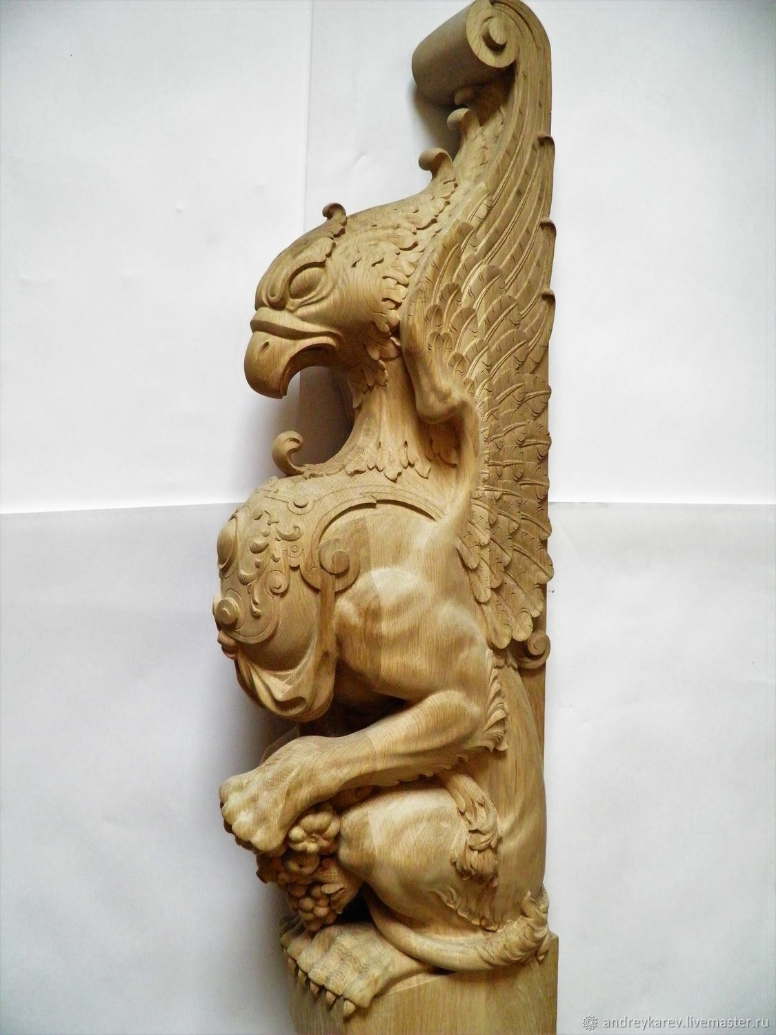 Decorative carved newel staircase Griffin, Stairs, Chelyabinsk,  Фото №1