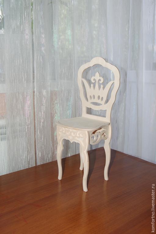 Для примера. Размеры : высота сиденья 20см, высота спинки 20-21см, размер сиденья 14х16см