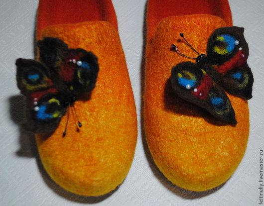 """Обувь ручной работы. Ярмарка Мастеров - ручная работа. Купить """"Бабочки """" Валяные тапочки.. Handmade. Оранжевый, шлепки"""
