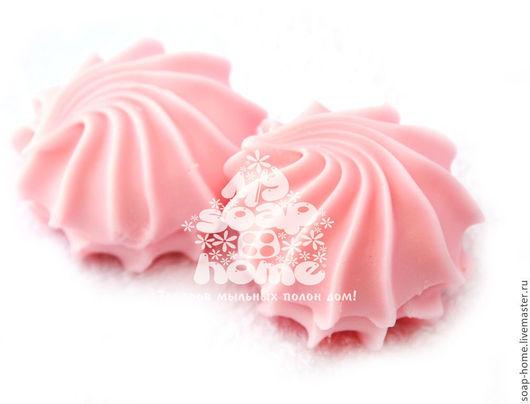 """Мыло ручной работы. Ярмарка Мастеров - ручная работа. Купить Сувенирное мыло """"Зефирка"""". Handmade. Розовый, красивое мыло"""