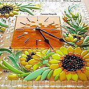 """Часы классические ручной работы. Ярмарка Мастеров - ручная работа ЧАСЫ """"Подсолнухи"""" , стекло, фьюзинг. Handmade."""