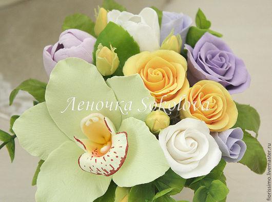 Букеты ручной работы. Ярмарка Мастеров - ручная работа. Купить Миниатюра Фисташковый бархат с орхидеей цимбидиум, тюльпанами и розам. Handmade.
