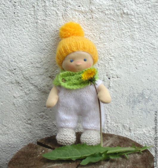Вальдорфская игрушка ручной работы. Ярмарка Мастеров - ручная работа. Купить Пупс Одуванчиковый. Handmade. Желтый, маленькая игрушка
