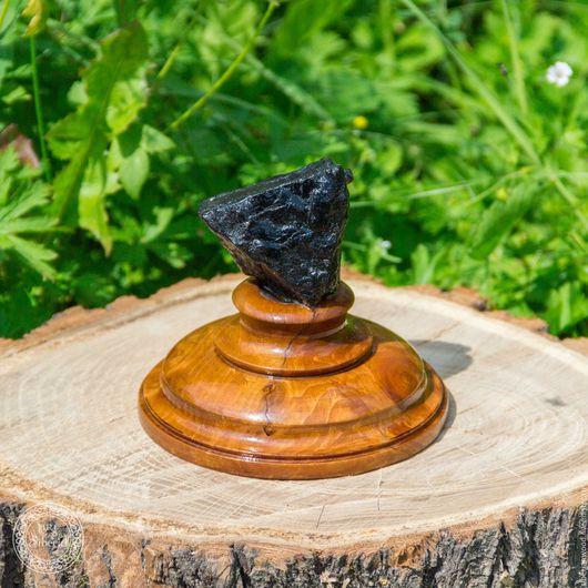 Статуэтки ручной работы. Ярмарка Мастеров - ручная работа. Купить Сувенир Уголь на подставке из натурального дерева сибирский кедр #U4. Handmade.