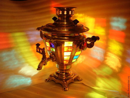 """Освещение ручной работы. Ярмарка Мастеров - ручная работа. Купить """"Лампа-самовар"""". Handmade. Самовар-светильник, стекло цветное"""
