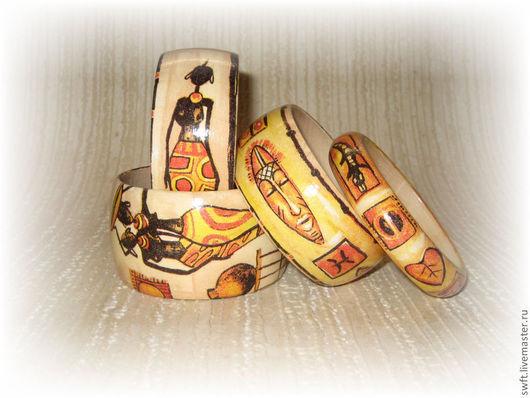 комплект браслетов бежевый желтый женский недорогой деревянный браслет недорого подарок что подарить девушке женщине сестре подруге маме жене на 8 марта день рождения африканский этнический стиль