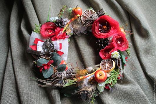 """Интерьерные композиции ручной работы. Ярмарка Мастеров - ручная работа. Купить Венок """"сМАКовница"""". Handmade. Ярко-красный, искусственные цветы"""