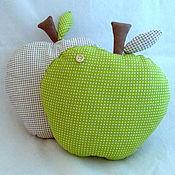 """Подушки ручной работы. Ярмарка Мастеров - ручная работа Интерьерная подушка """"Яблоко"""". Handmade."""