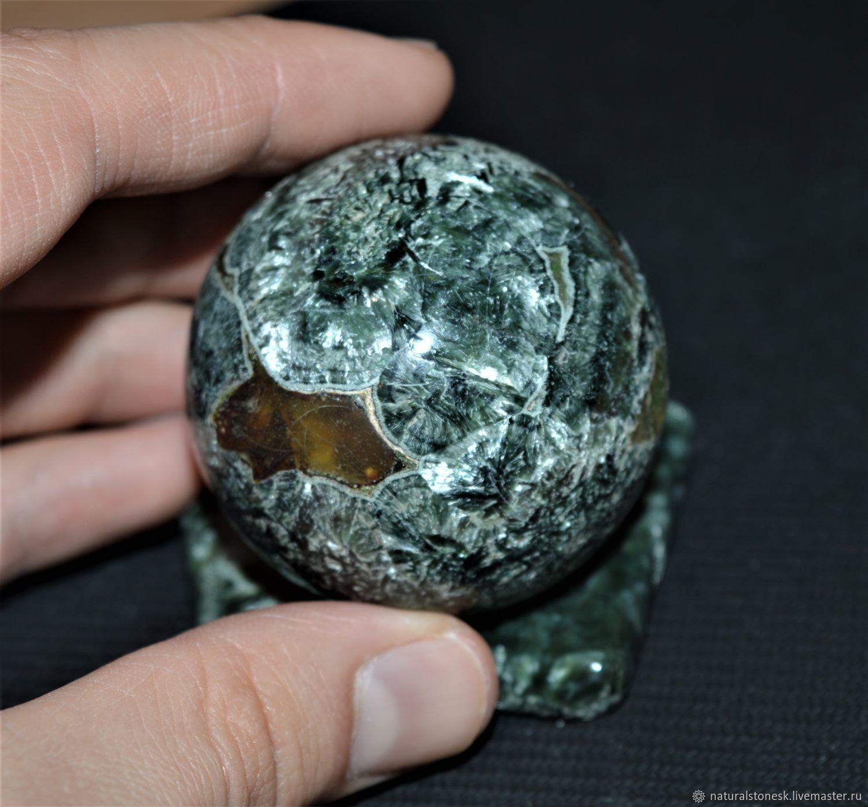Шар из камня Серафинит (Клинохлор) на подставке, Шар, Красноярск,  Фото №1