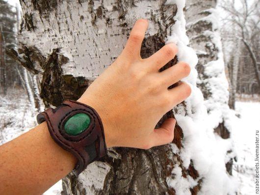 Браслеты ручной работы. Ярмарка Мастеров - ручная работа. Купить Кожаный браслет с натуральным камнем Малахит. Handmade. Кожаный браслет