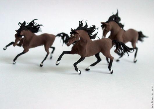 """Игрушки животные, ручной работы. Ярмарка Мастеров - ручная работа. Купить фигурки маленькие """"Лошадки цвета шоколада"""". Handmade. Бежевый"""