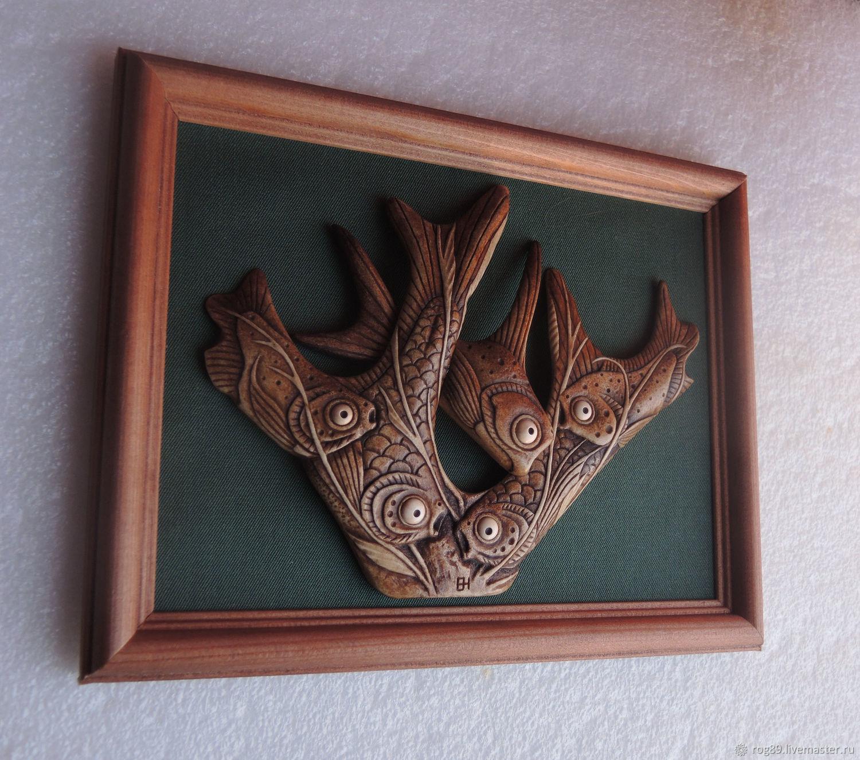 """""""Рыбий переполох"""" - картина - панно из рога оленя"""