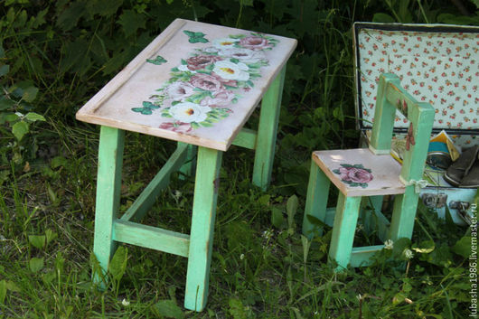 """Мебель ручной работы. Ярмарка Мастеров - ручная работа. Купить Детский столик и стульчик  для девочки """"Кремовый винтаж"""". Handmade. Мятный"""