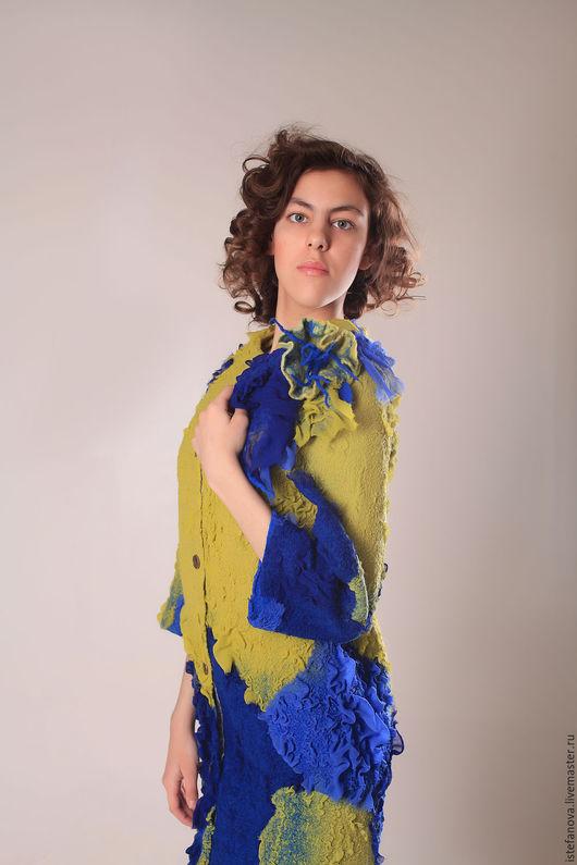 """Для подростков, ручной работы. Ярмарка Мастеров - ручная работа. Купить валяное пальто - кокон """"exotic blooming"""". Handmade."""