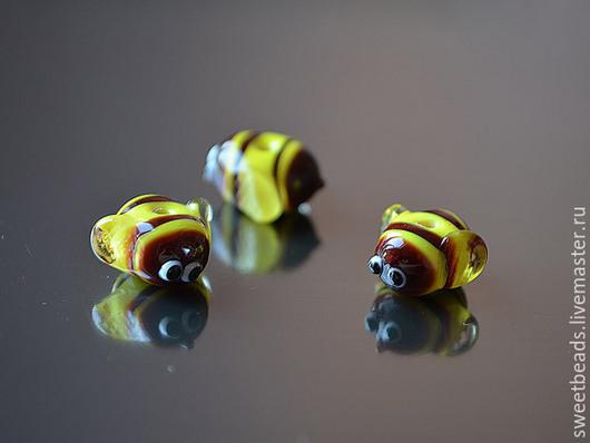 Для украшений ручной работы. Ярмарка Мастеров - ручная работа. Купить Пчелка лампворк лэмпворк, желтая. Handmade. Бусины для украшений