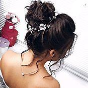 Украшения в прическу ручной работы. Ярмарка Мастеров - ручная работа Комплект украшений для невесты Белые свадебные украшения Серьги невест. Handmade.