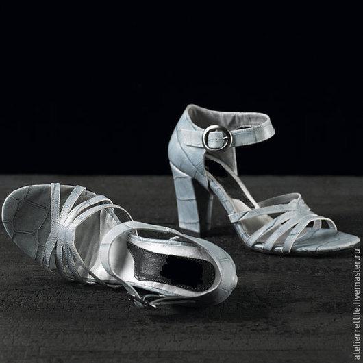 Sandalo Realizzato a Mano In Italia Hand Made and Tailor Made in Italy in Vera Pelle di Coccodrillo