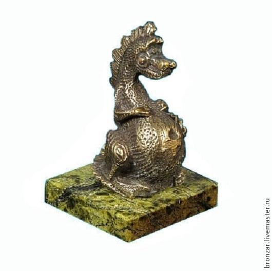 Подарочные наборы ручной работы. Ярмарка Мастеров - ручная работа. Купить Дракон пузатый из бронзы на подставке из змеевика. Handmade. Разноцветный