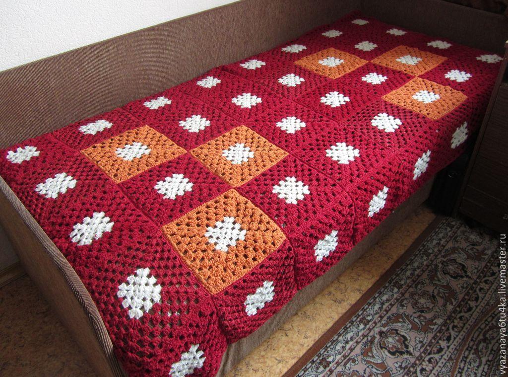 Покрывало на диван из больших квадратов крючком