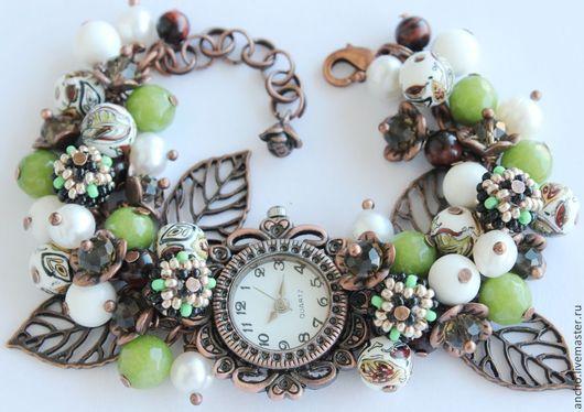 """Часы ручной работы. Ярмарка Мастеров - ручная работа. Купить Часы """"Салатово-белые"""". Handmade. Салатовый, медный, подарок женщине"""