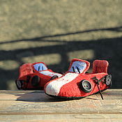 """Обувь ручной работы. Ярмарка Мастеров - ручная работа Детские тапочки """"Пожарные машинки"""". Handmade."""