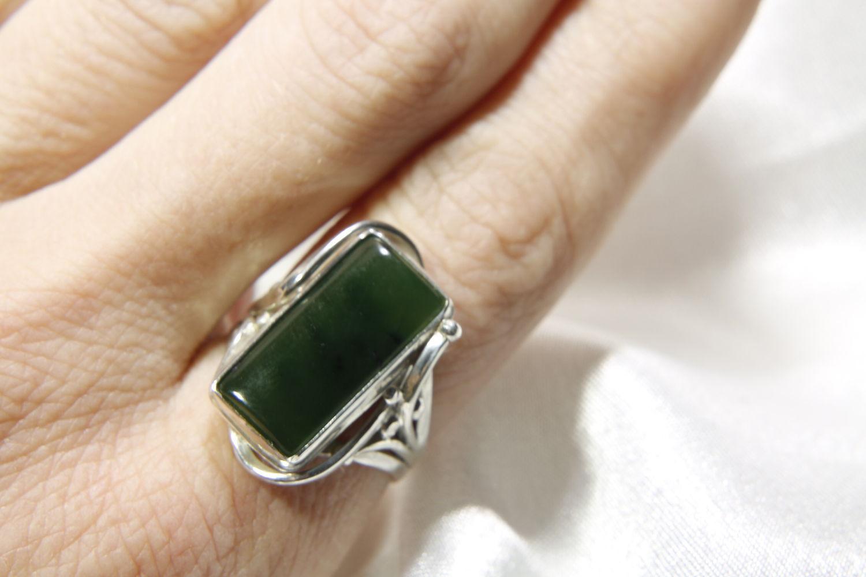 нефрит камень кольца