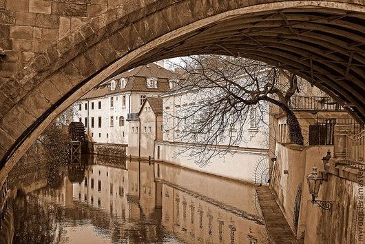 Прага. Город-сказка. Город, словно вышедший из средневековых фолиантов. Город, где растворяется время и сбываются мечты.