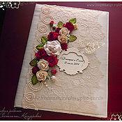 """Свадебный салон ручной работы. Ярмарка Мастеров - ручная работа Папка для свидетельства о заключении брака """"Красные розы"""" разные цвета. Handmade."""