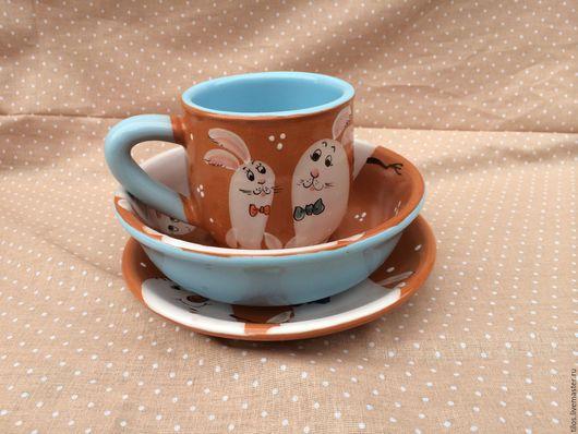 Кружки и чашки ручной работы. Ярмарка Мастеров - ручная работа. Купить Детский набор керамической посуды с росписью Зайчики. Handmade.